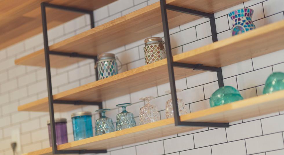 諫早市の工務店スマイフルホームで新築した長崎の注文住宅の吊り棚