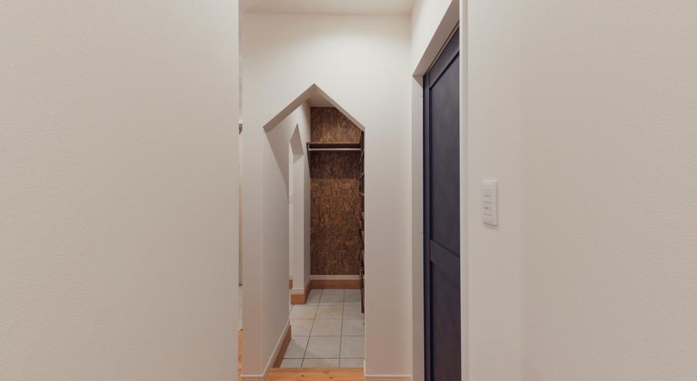 諫早の工務店スマイフルホームで新築した島原の注文住宅のエントランス