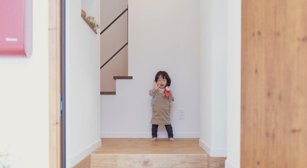 諫早市の工務店スマイフルホームで新築した長崎の注文住宅のお出迎え