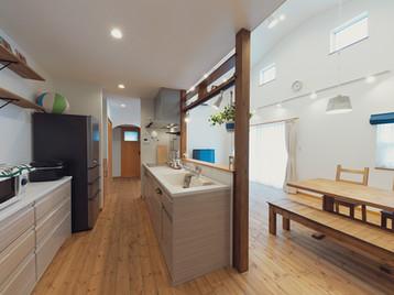 諫早市の工務店スマイフルホームで新築した長崎の格好いい注文住宅のカフェキッチン