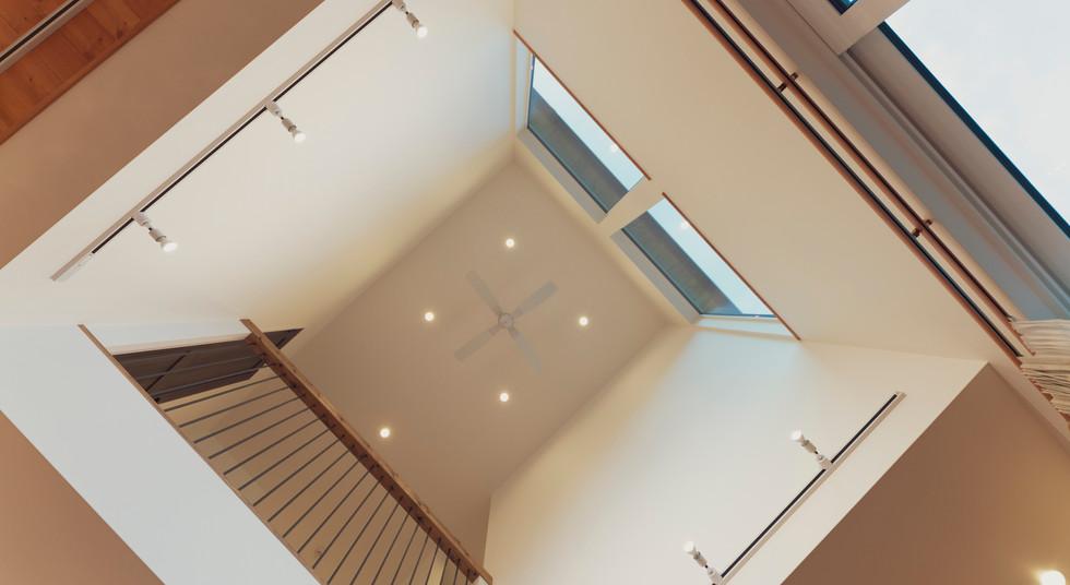 諫早市の工務店スマイフルホームで新築した長崎の注文住宅の吹き抜け