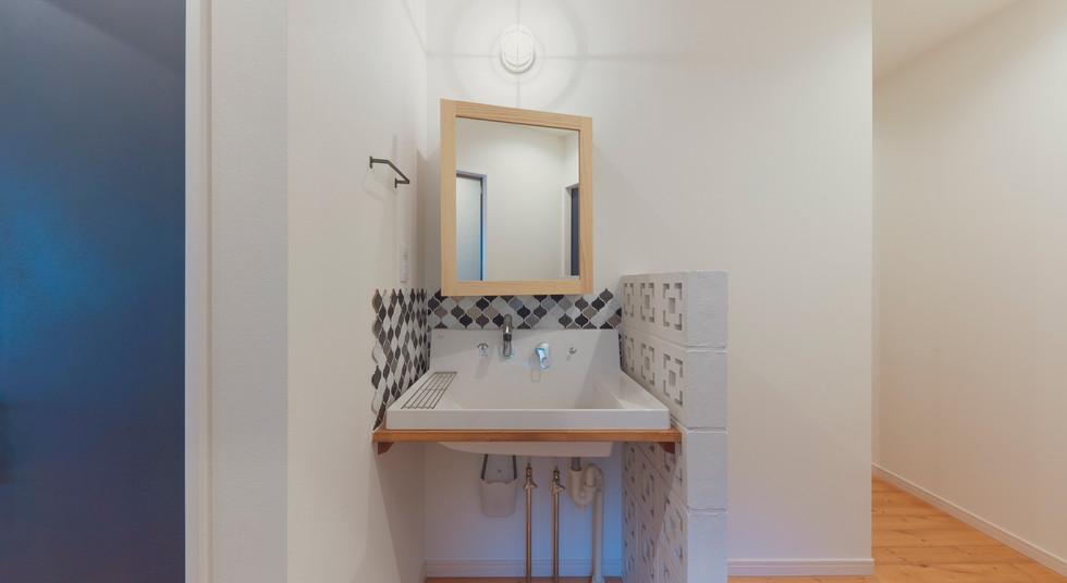 諫早の工務店スマイフルホームで新築した島原の注文住宅の造作洗面