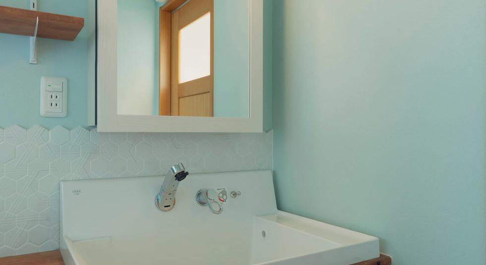 諫早の工務店スマイフルホームで新築した島原の注文住宅の造作洗面台