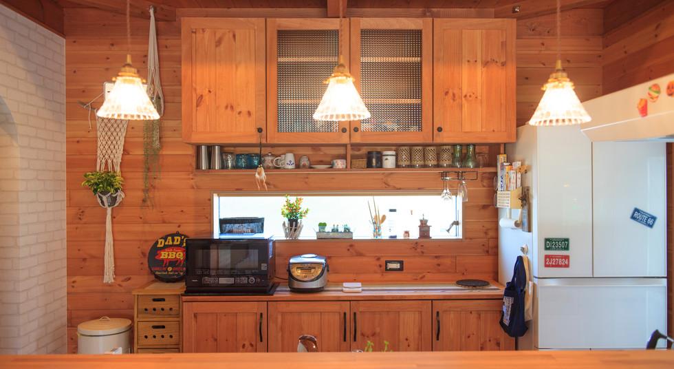 諫早市の工務店スマイフルホームで新築した長崎の注文住宅のキッチンカウンター
