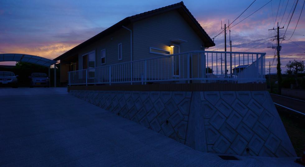 諫早市の工務店スマイフルホームで新築した長崎の注文住宅の夜外観