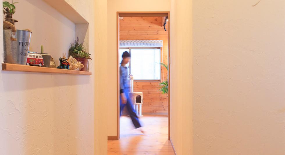 諫早市の工務店スマイフルホームで新築した長崎の注文住宅の廊下
