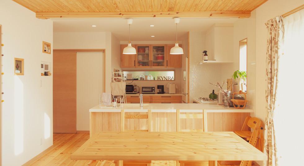 諫早市の工務店スマイフルホームで新築した長崎の可愛い注文住宅のキッチン