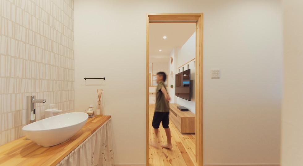 諫早の工務店スマイフルホームで新築した島原の注文住宅の玄関洗面
