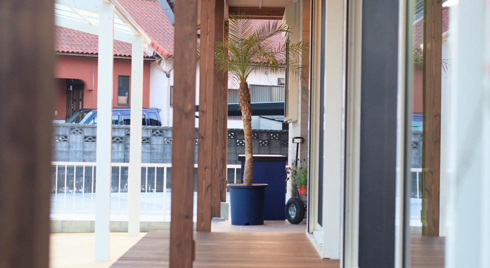 諫早市の工務店スマイフルホームで新築した長崎の注文住宅のカバードポーチ