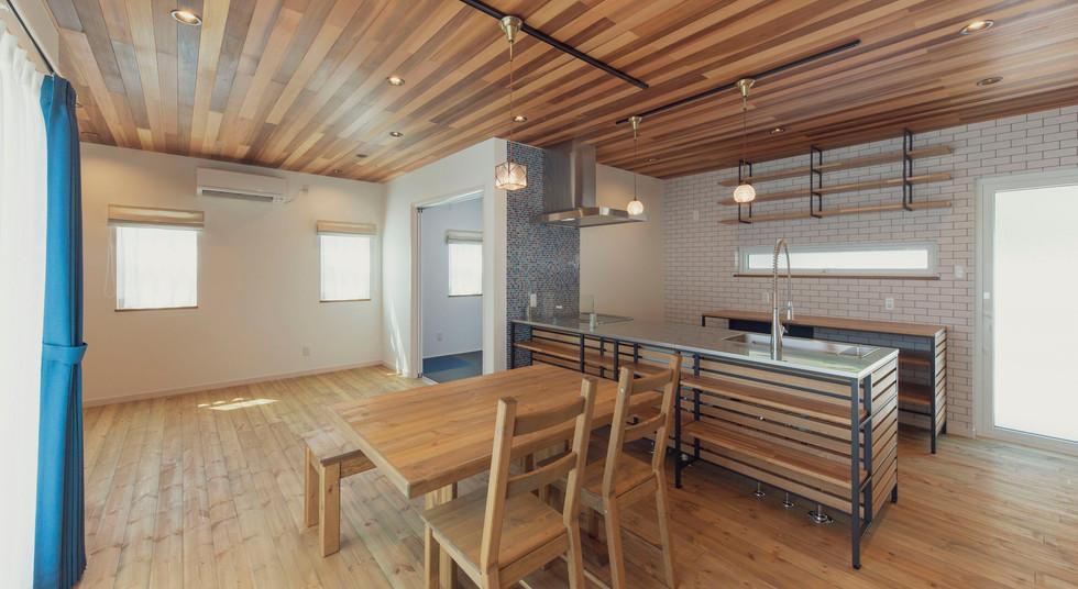 諫早市の工務店スマイフルホームで新築した長崎の注文住宅のLDKjpg