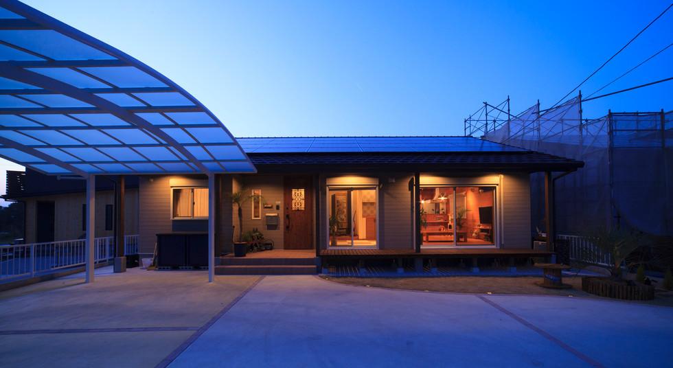 諫早市の工務店スマイフルホームで新築した長崎の注文住宅の平屋外観