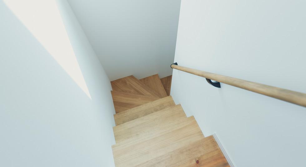 諫早の工務店スマイフルホームで新築した大村の注文住宅の階段