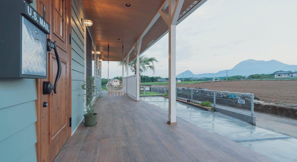 諫早の工務店スマイフルホームで新築した島原の注文住宅のカバードポーチ