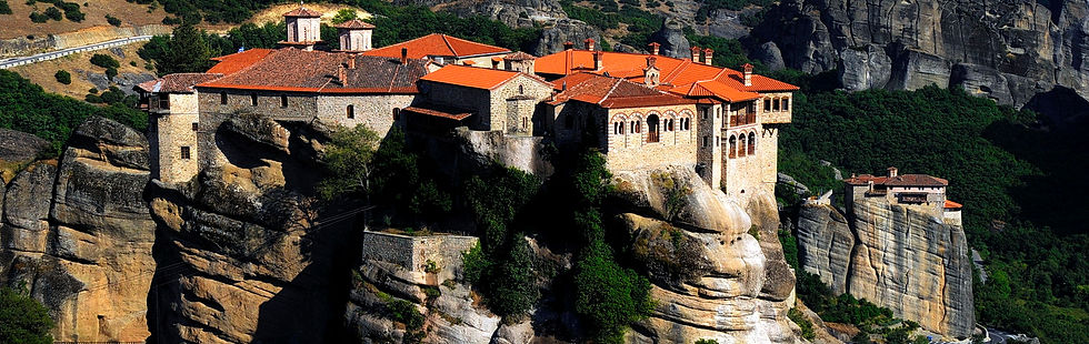 Private tour in Meteora & Delphi