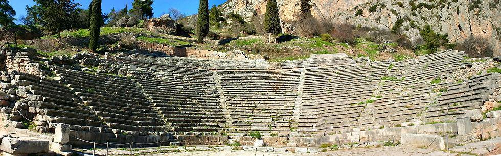 Private tour in Meteora & Delphi