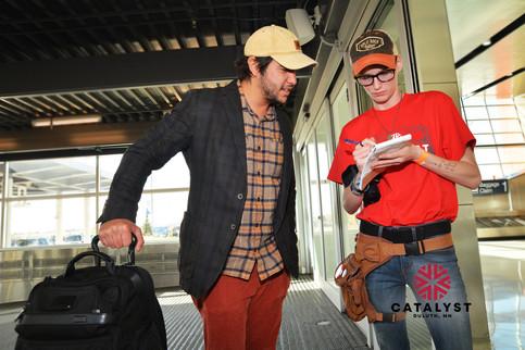 catalyst-2019-airport-arrival-volunteer.