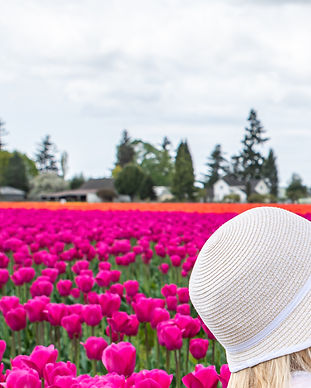 E 4-26-19 Girls in Tulip Field-15.jpg