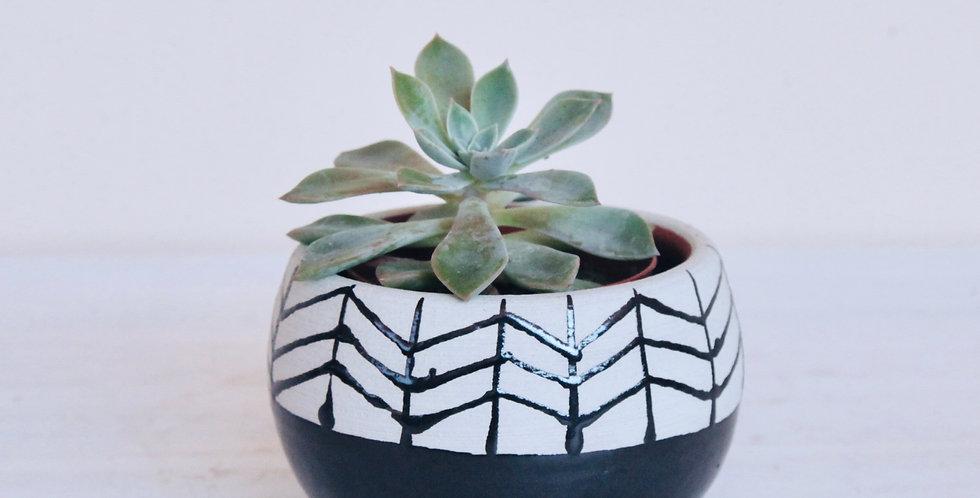 Fishbone small ceramic pot black and white