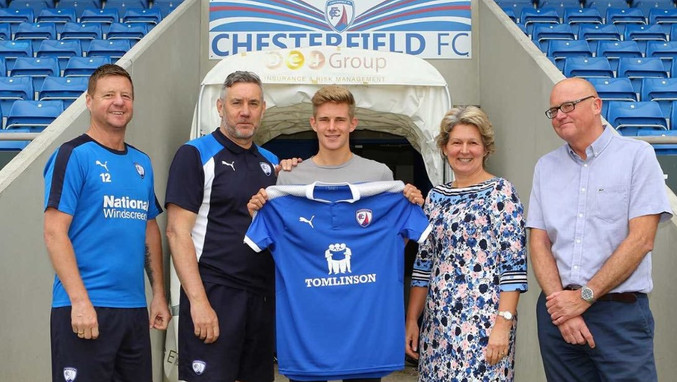Charlie Wakefield signed on 2016
