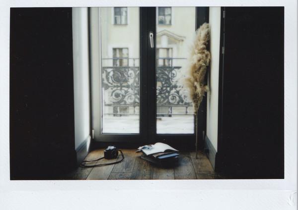 photo-of-glass-door-3806858.jpg