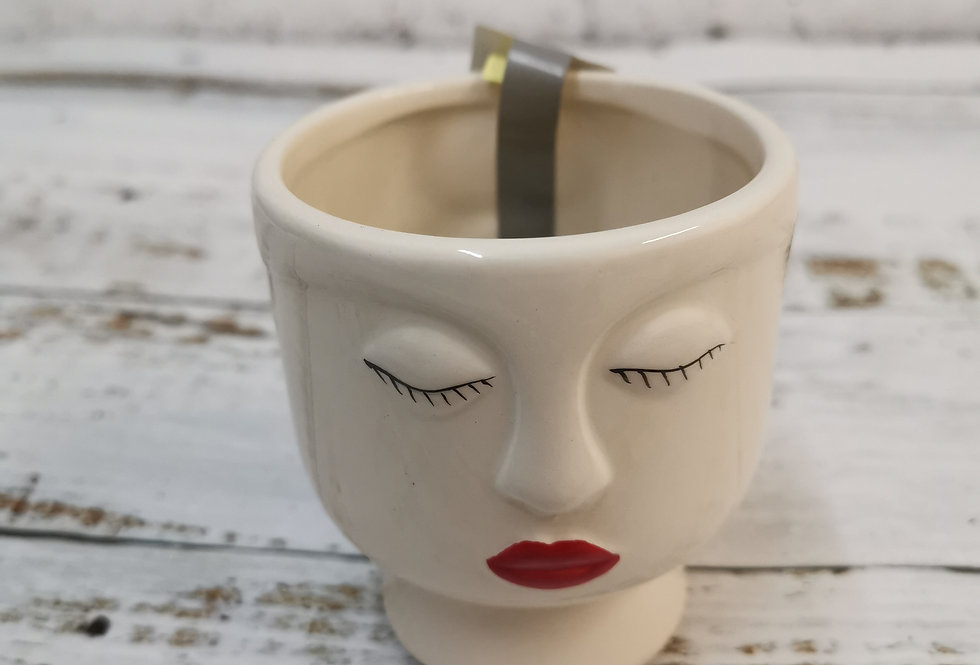 Lady ceramic magnetic pot