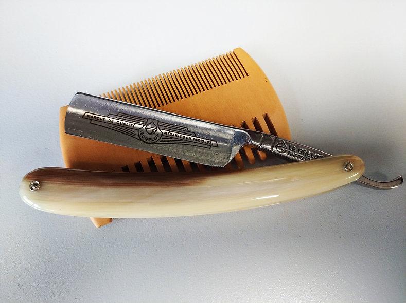 Rasoir Le Grelot 6/8 évidé sonnant chasse Corne Blonde
