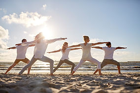 Yoga sulla spiaggia