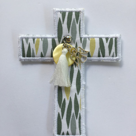 Croix flammes vertes et jaunes