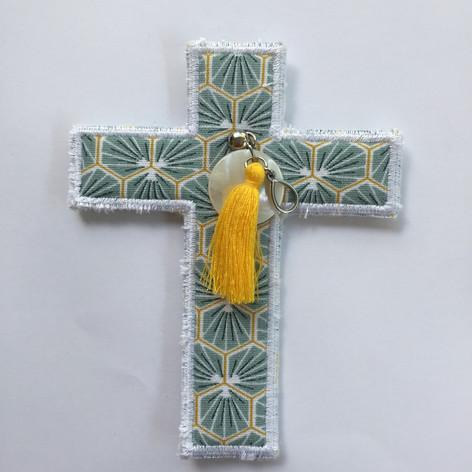 Croix riad amande