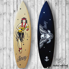 серфинг-в-интерьере-тату-салон-1000.jpg
