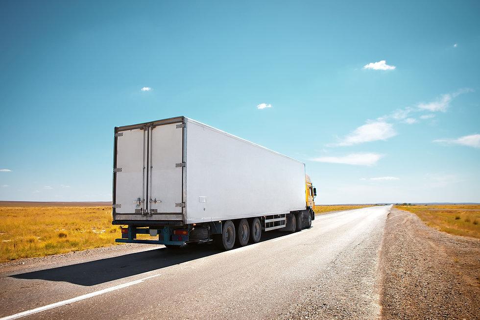 Trucks_Roads_Sky_453749.jpg