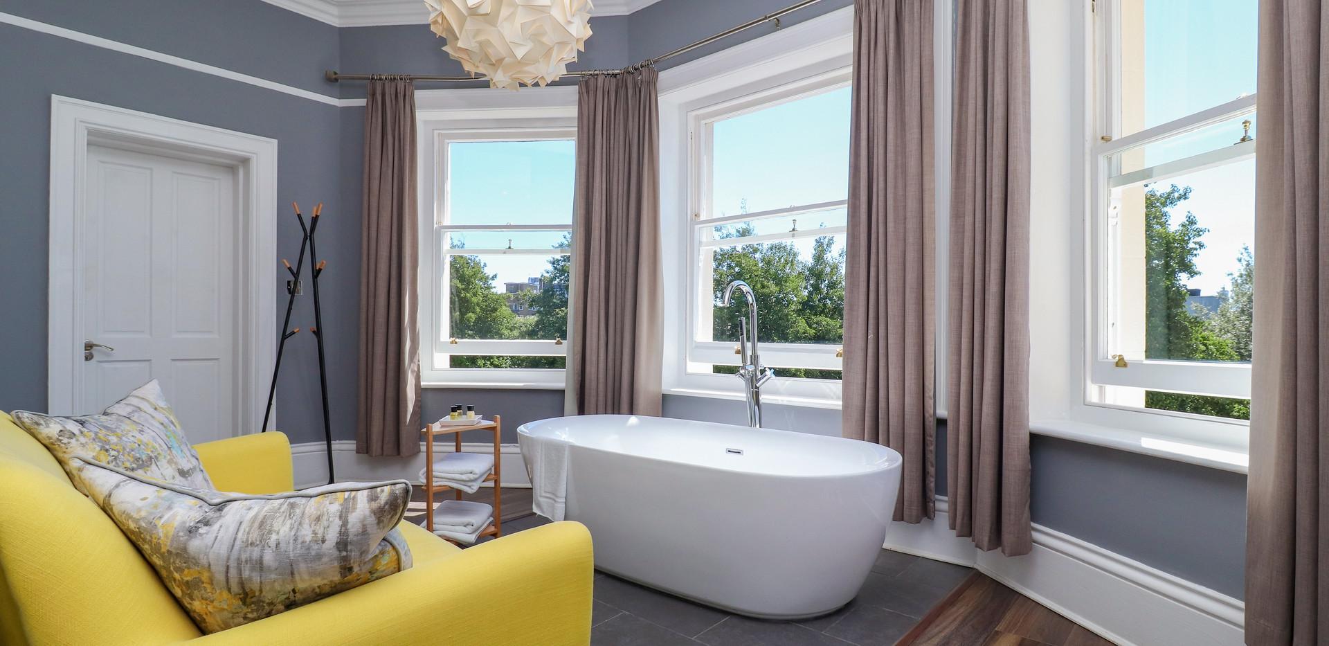 Bath from rhs.jpg