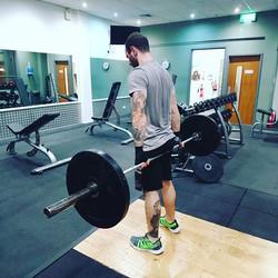 Reverse hack deadlifts 😊✌💪 #gym #achie