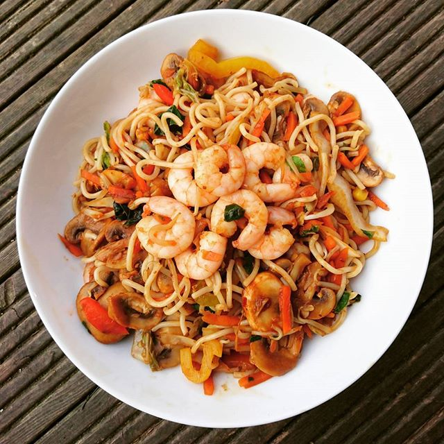 Pre workout prawn stir fry for dinner 😊