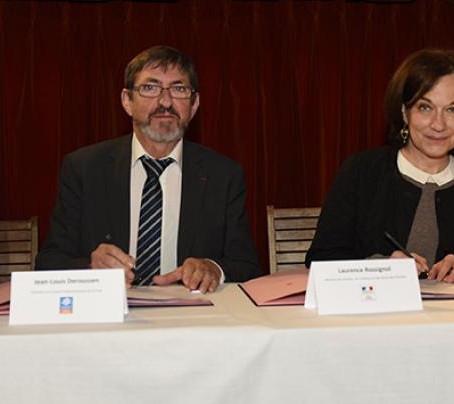 Signature d'une convention avec le Ministère des Familles et la CNAF
