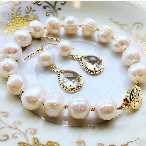 laalee Freshwater Pearl Earrings