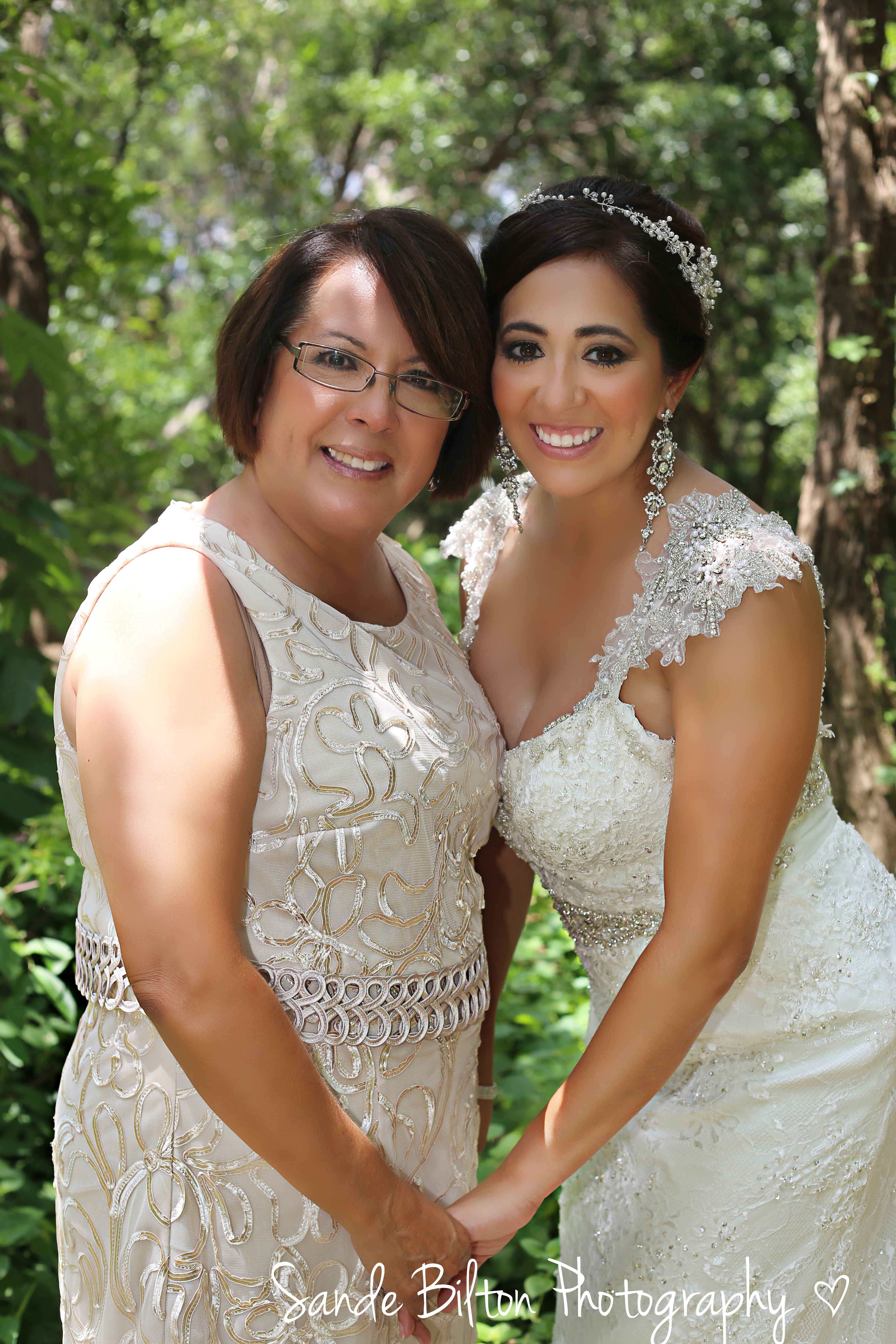 IBridal Photo Shoot with Mother