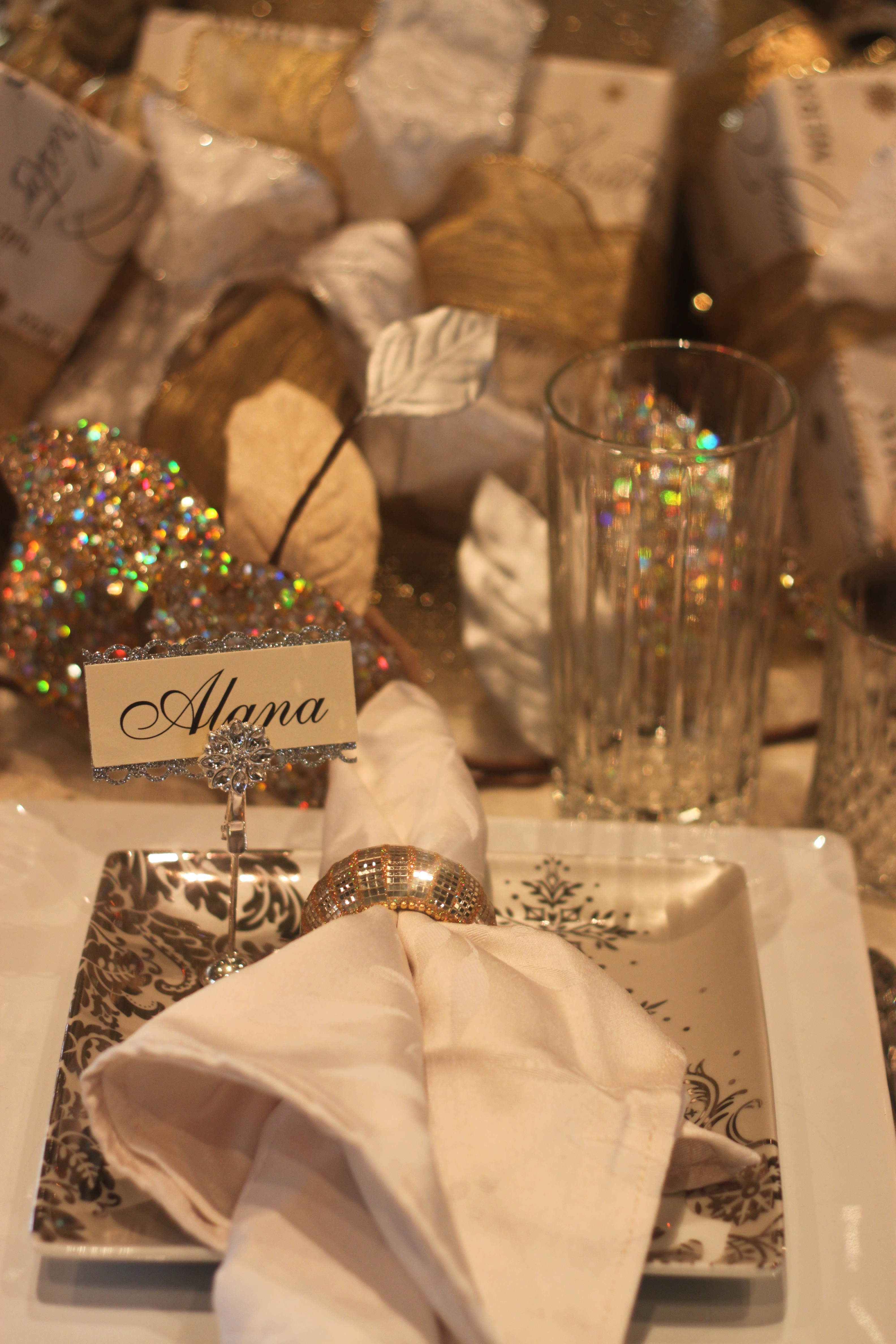 Hollidazzle Table Setting