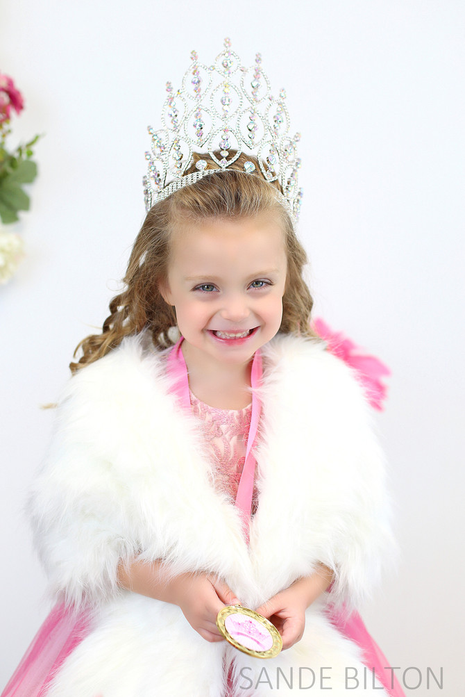 PAGEANT HEADSHOTS | MACYN