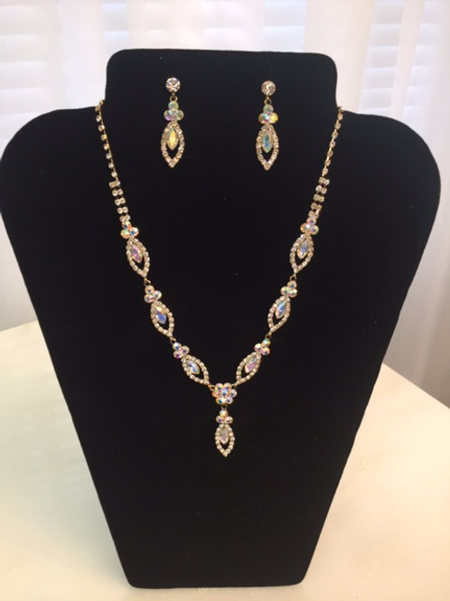 Amie Iridescent Necklace & Earring Set