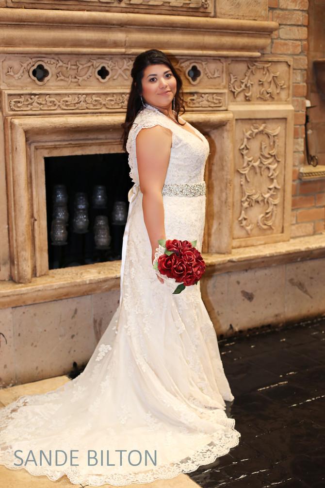Las Velas Houston Bridal Photos:          Emili Rodriguez Boniface