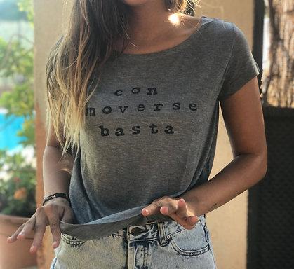 Camiseta con moverse basta