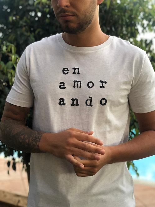 Camiseta chico en amor ando