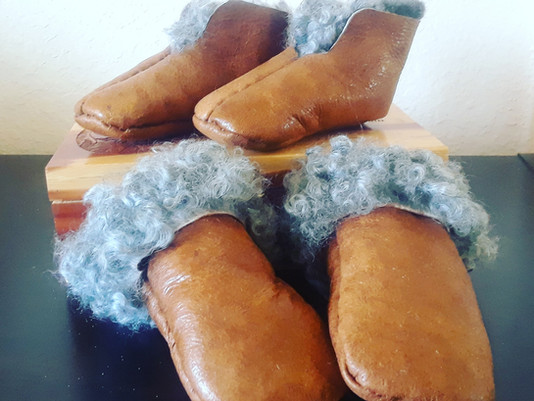 Hand-sewing in Sheepskin - Classes 2019