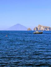 Segeln Liparische Inseln -Vulkan Stromboli