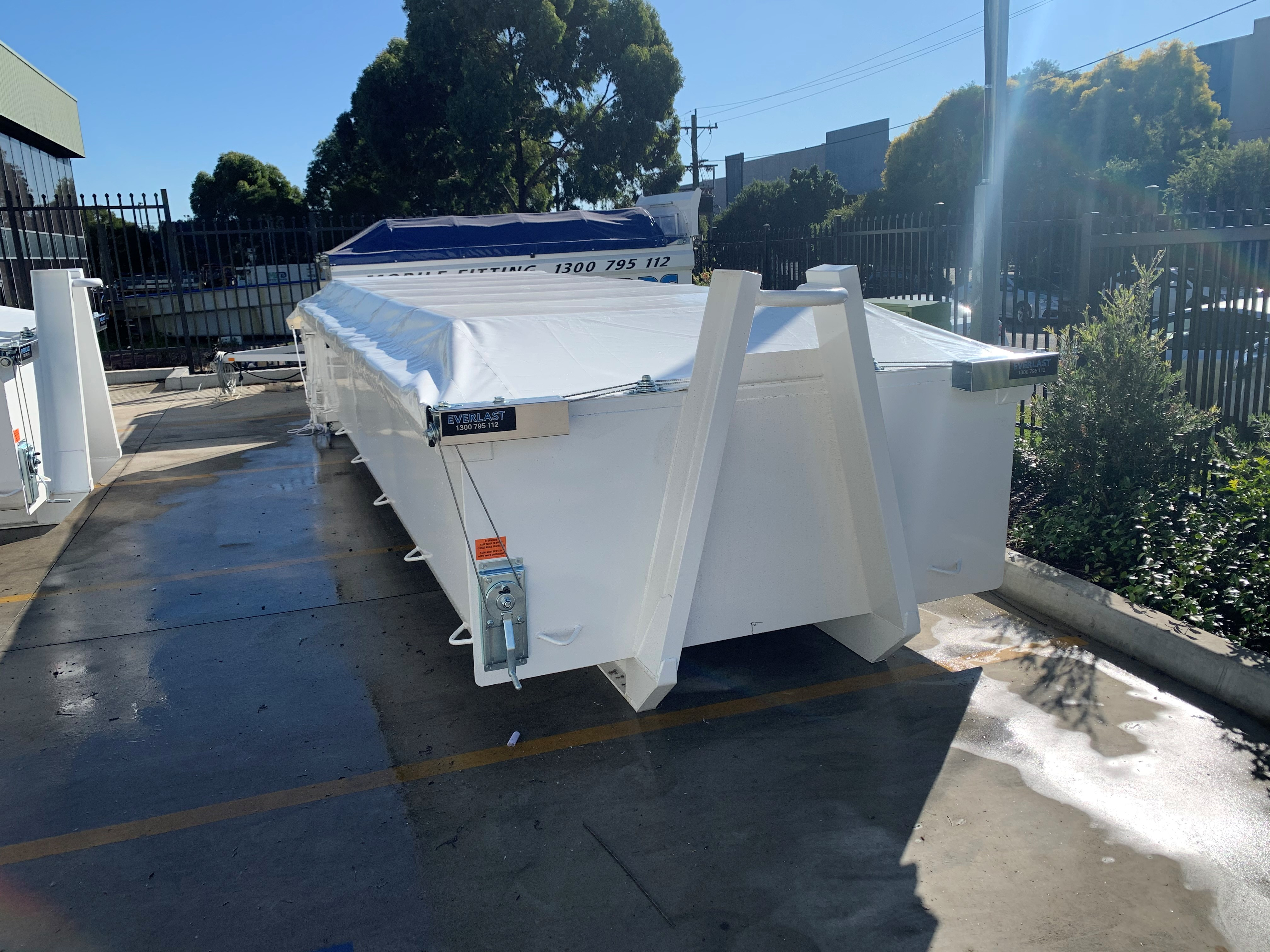 Everlast Tarps hook lift bin cover