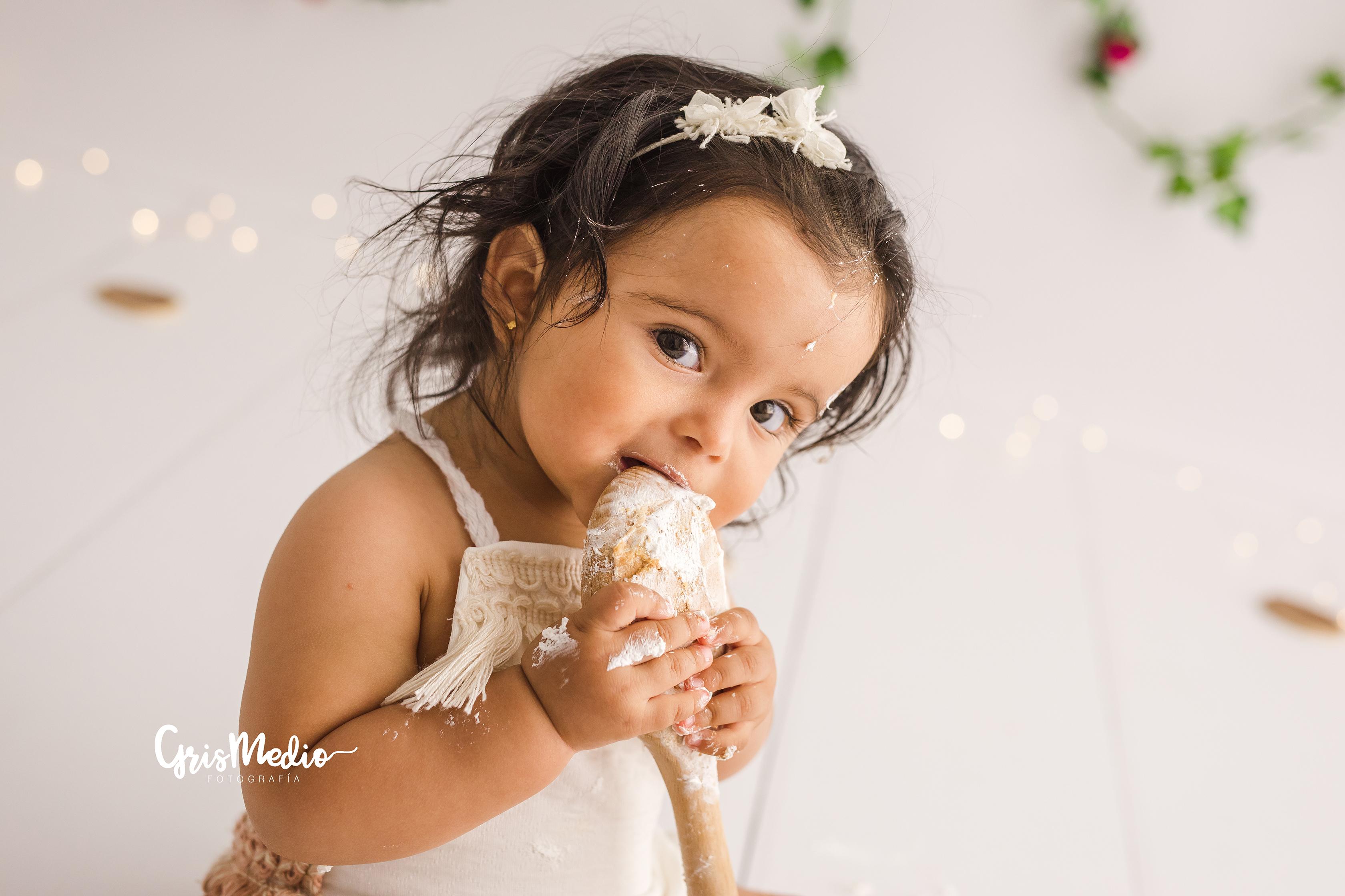 Grismedio_Fotografia-2_smash_cake,_primer cumpelaños 1 año