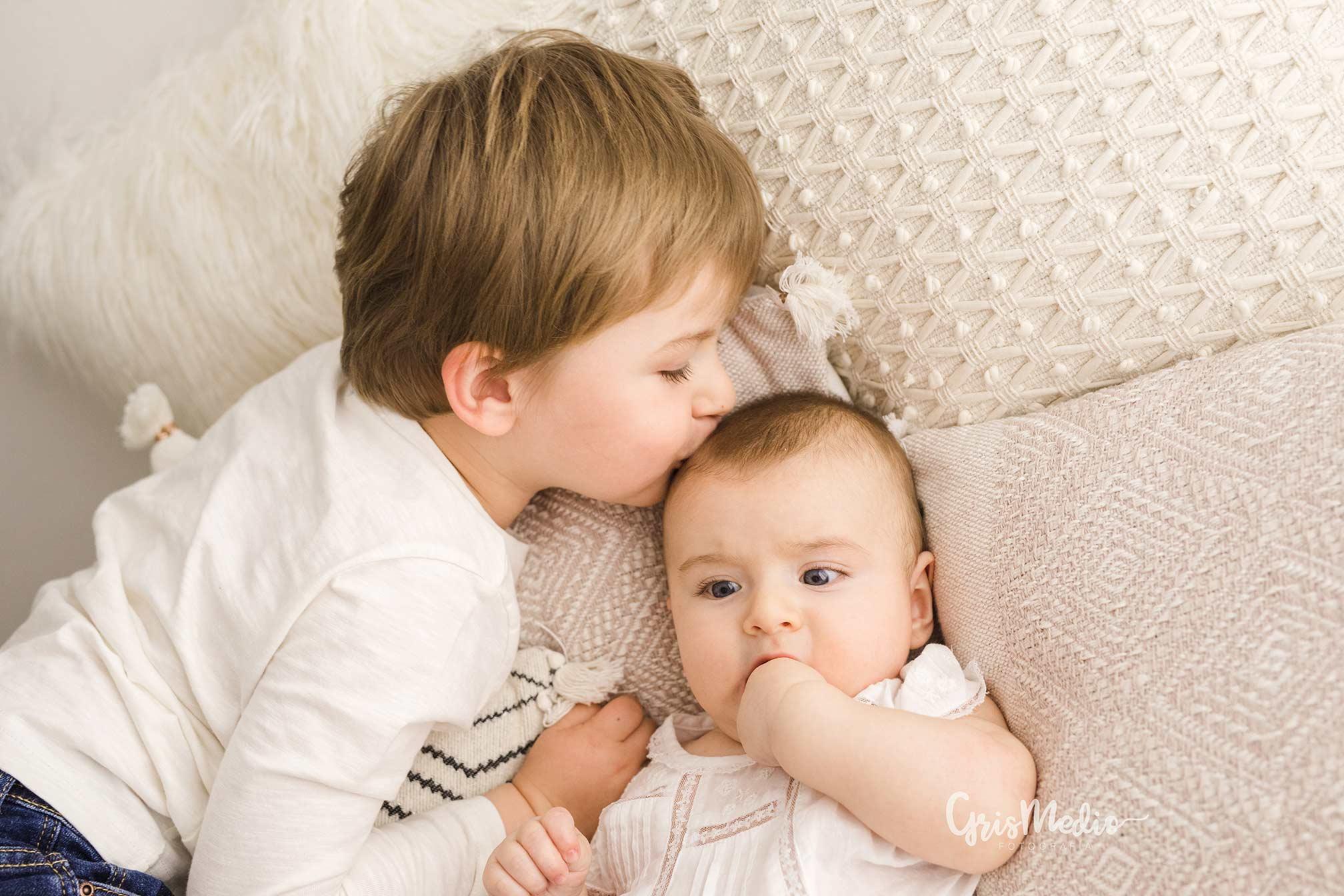 fotografia-familia-infantil-zaragoza-grismedio-bebe-lactancia2