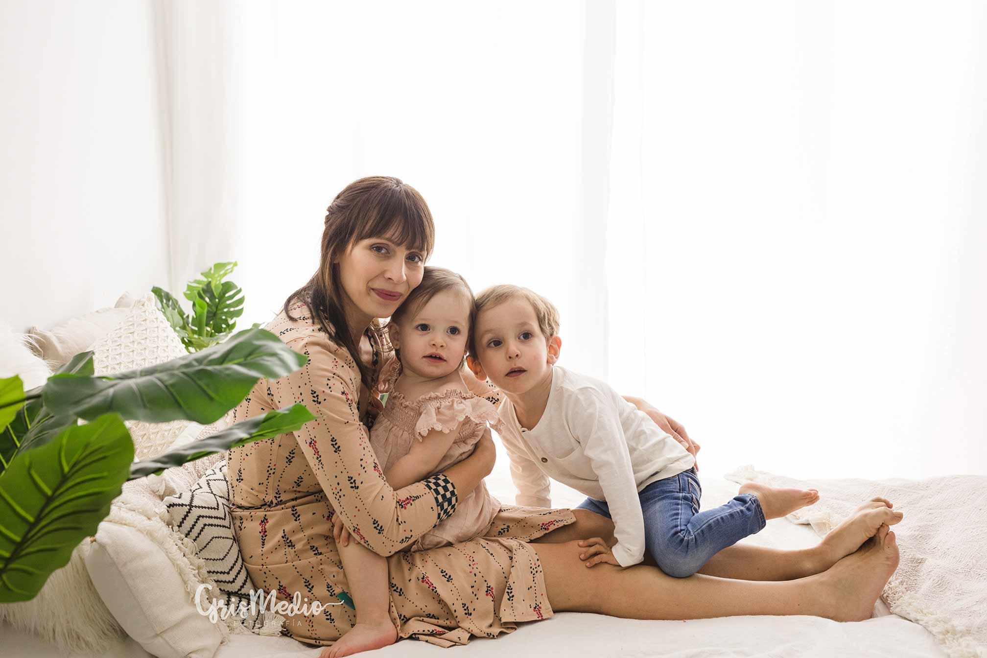 fotografia-familia-infantil-zaragoza-grismedio-bebe-lactancia10