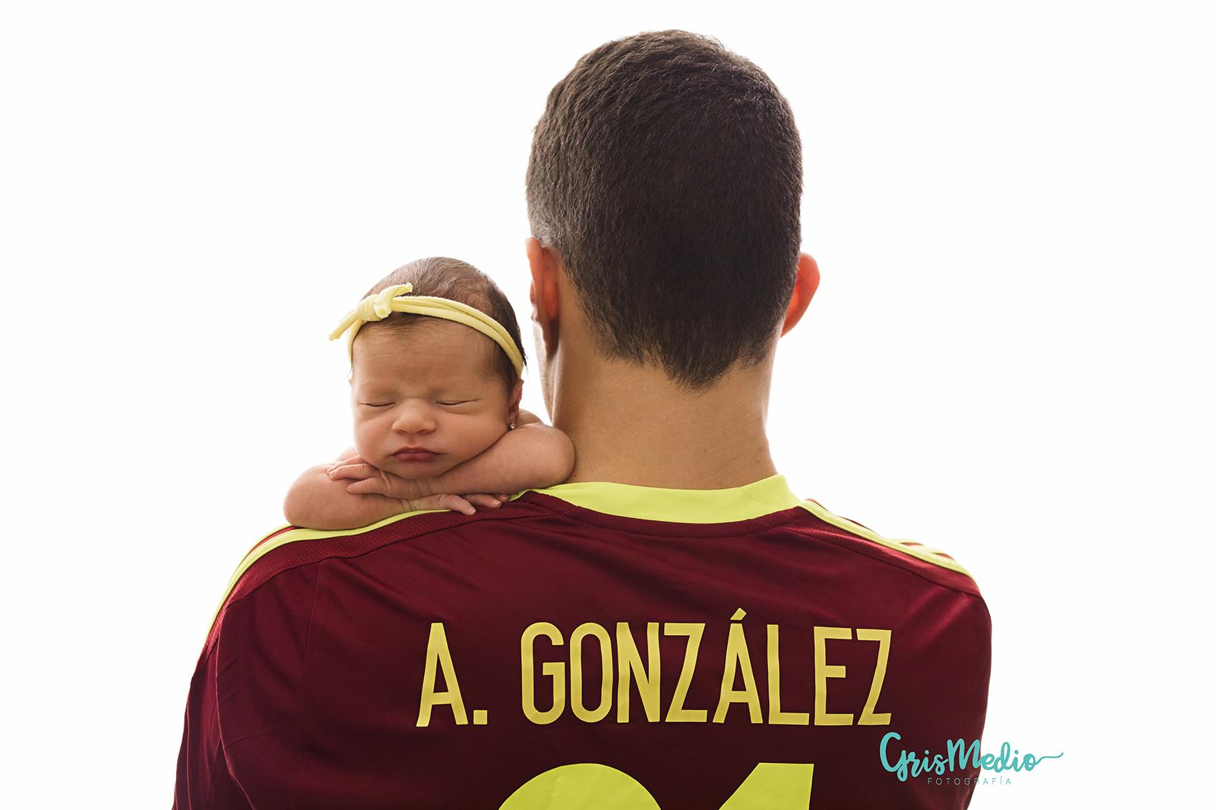 fotografia-especializada-newborn-recien nacido-zaragoza-grismedio-sesion-reportaje-bebe-8